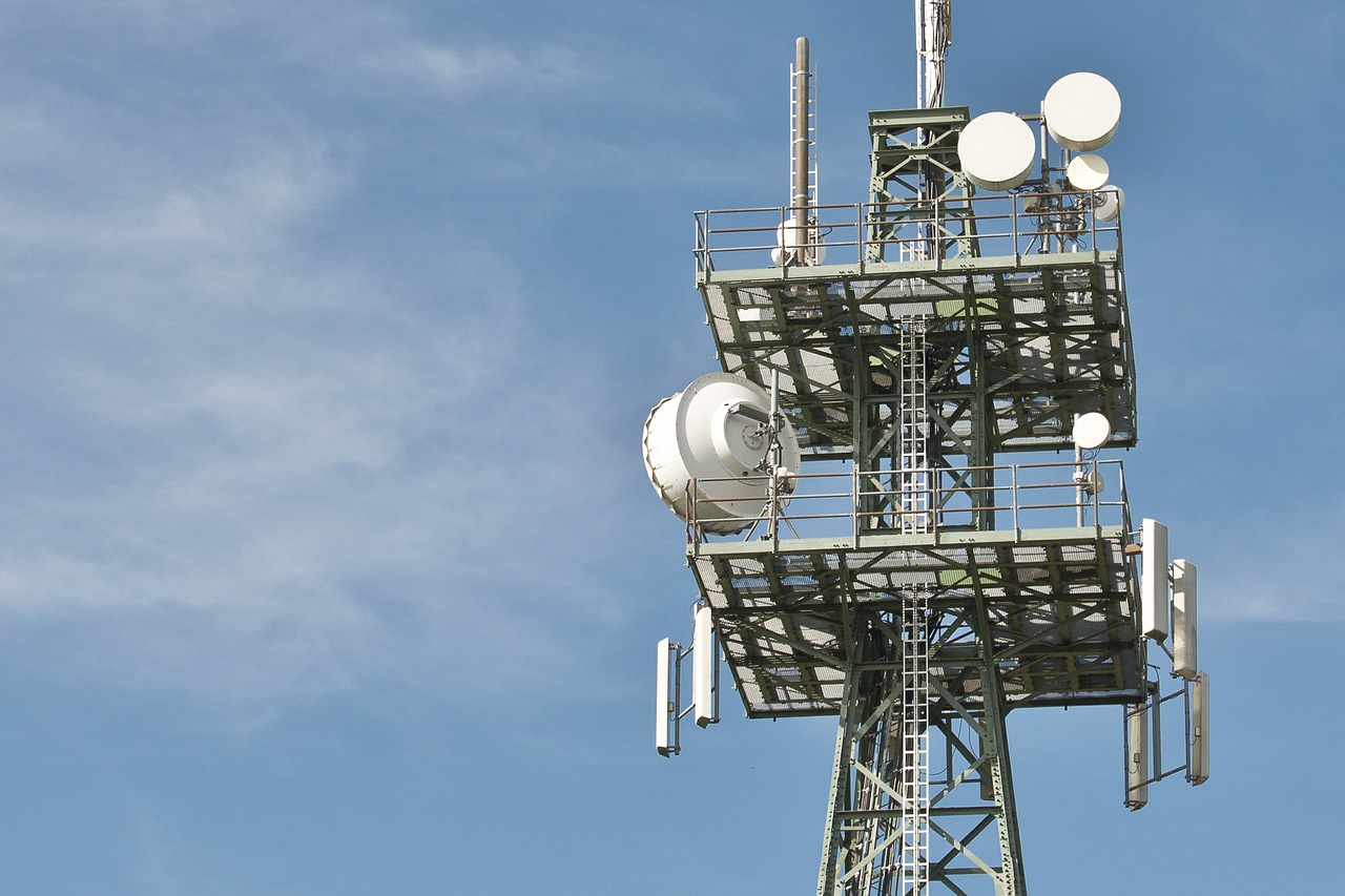 Mobilfunk - by pixabay-radio-masts-600837_1280